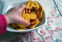 yum:snacks / by Alysia Boland