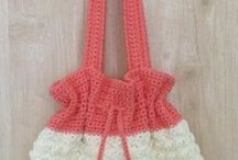 At The Drop of a Bag / Every pretty bag you can think of: crocheted bag patterns, knitted bag patterns, sewn bag patterns, all FREE!