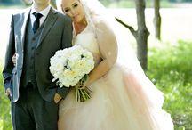plus size bride poses