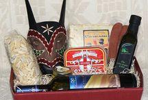 Confezioni regalo, Cesti natalizi. Prodotti tipici sardi / Cesti regalo composti da specialità enogastronomiche e artigianato tipico della Sardegna.