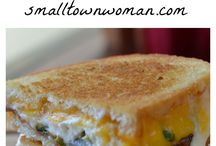 Grilled Cheese Mania! / The yummyness of ooey gooey grilled cheese