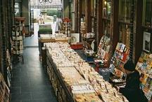 + Libros y más libros + / Mi lugar en el mundo está entre las páginas de cualquier libro.