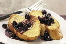 Breakfast French Toast / by Heather Montealegre