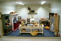 Karon Cunningham's Favourite Miniatures / Hand made doll house miniatures that are so beautifully made to scale you would mistake then for the real thing!