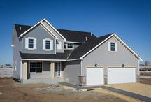 Marquee VII / This two-story home features large living spaces, 4 bedrooms, 3 bathrooms all with over 2,550 finished square feet.