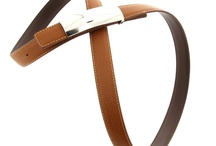 Ceintures cuir femme / Osez la couleur avec ces ceintures pour femme réversibles et bicolores 100% cuir grainé, dotées d'une boucle en métal argenté.
