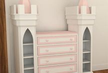 Girls Bedroom / Girls bedroom idea's for all ages.