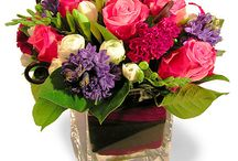 Floral arrangements / We all love beautiful flowers, so here are a few beautiful selections to make you smile.
