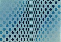 """Op art / Сокращение от """"оптическое искусство"""". Объединяет работы, фиксирующие неожиданные эффекты зрительного восприятия, в часности иллюзии движения, глубины и вибрации. В узком смысле Оп-арт относится к группе мастеров, тяготевших к подобным геометрическим композициям в начале 1960-х годов. Richard Anuszkiewicz, Larry Poons, Victor Vasarely, Bridget Riley"""