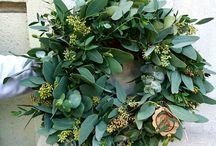 veniec-prírodný veniec-eukalipthus-kytica-kvety-hortenzia-kvetinárstvo-kvetinová škola