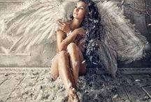 angels♥♥ / Είτε είμαστε μόνοι στο σύμπαν, είτε όχι, και οι δύο σκέψεις είναι το ίδιο τρομακτικές.