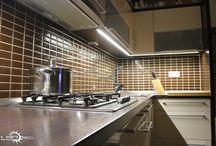 LED osvetlenie kuchynskej linky / Použitie LED pásikov na osvetlenie pracovnej dosky kuchynskej linky.