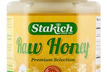 Stakich Honey / 100% all natural -- Collected from unsprayed and pesticide-free Michigan wildflower fields -- Certified Kosher -- Naturally cholesterol, sodium, gluten and fat free -- Delicious & nutritious!
