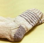 Knit and Crochet SOCKS / by Sue Dionne