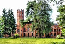 Sorkwity - Pałac / Pałac w Sorkwitach wybudowany w latach 1850-1856 w stylu neogotyckim jako siedziba pruskiego rodu szlacheckiego von Mirbach, a następnie spokrewnionego z nimi rodu von Paleske. Obecnie w rękach prywatnych.