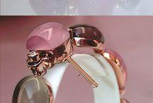 jewelery / A little guideline for my boyfriend of what kind of jewelery I like :)