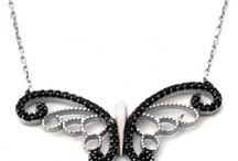 gümüş kelebekli kolye