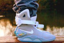 Les news trendy / Découvrez nos news du moment ! De Nike avec sa chaussure autolaçante à la jupe étoilée, BB Trendy passe en revue les news Geek et High-Tech du moment