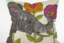 Design: Throw Pillows / Because I just can't get enough of them.
