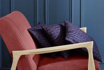 RED & MADURA / Madura et RED Edition s'associent pour la première fois, afin de nous proposer une collection exclusive et très contemporaine. Ensemble, les deux maisons imaginent une déclinaison de coussins, et une ligne de tissu, pour habiller le canapé Fifties 210, mais aussi le Love Seat et les fauteuils Floating, assises emblématiques à RED Edition.