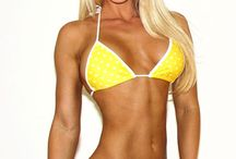 Fitness Girls / Beautiful #fitness #female athletes, models and competitors. Workout pictures, Miss Olympia, Arnold Classic... #FitnessGirls #Prozis