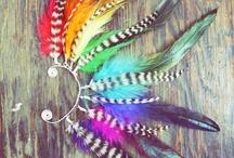 colorful / Ik heb dit bord gemaakt doordat ik prachtige veren in de kleur van de regenboog gezien heb. die veren hebben mij geïnspireerd voor dit kleurrijke bord