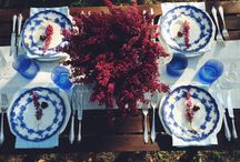 Autumn outdoor dinner / Outdoor, colorful dinner. Blue and pink tabletop, tablesetting. Classy cutlery, heathers on the table. Antique, vintage plates, mogern glasses. By Luna & The Table  http://lunaandthetable.com/2015/10/15/wrzoscowa-melodia/