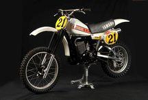 MOTOS OFICIALES MX / motociletas de corrwedores oficiales de las marcas de motos de mx / by Adolfo Benejam Ruf