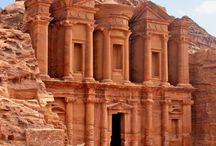 The Ancient World / Discover hidden secrets of the distant past.