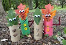 Аппликации и поделки из осенних листьев ! / Интересные идеи для поделок из осенних листьев. Детишкам интересно сделать что-то необычное, а мы, взрослые,  можем им помочь
