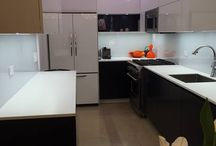 New York 52nd Street / Alno completes another kitchen Project in mid-town New York, 52nd Street - a streamlined galley kitchen, ultra modern with AlnoFine in Deep Blue matte lacquer and AlnoPrime, white lacquer with melamine coat, laser edging