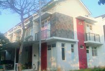 RUMAH DI PANTAI INDAH KAPUK DISEWA / Lokasi : Jl. Layar Permai 8A/19 Pantai Indah Kapuk  Jakarta utara (dekat rumah sakit PIK). Luas Tanah: 4 x 12m Luas Rumah: 4 x 12m x 2 Lantai Ketinggian Rumah: 2 Lantai Full Fasilitas: Listrik 2200watt , air PAM , Lantai Granite Tile 60x60cm, 2 kamar tidur, 1 kamar pembantu, 2 kamar mandi, 1 ruang tamu, 1 ruang makan, dapur, tempat cuci baju dan tempat jemuran. Harga Sewa: Rp. 40.000.000/tahun Kondisi Rumah: Baik / Terawat dan bersih Kontak Person : 0816848724