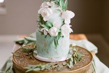 Floral wreath cakes / Cakes featuring a wreath or circles of blooms