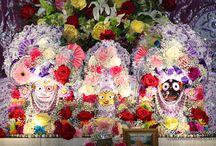 ISKCON Chicago - Jagannath Baladeva Subhadra / Beautifull wallpapers of Jagannath Baladeva Subhadra Of ISKCON Chicago maid by ISKCON Desire Tree