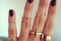 S P A R K L Y stuff  / Jewels... Jewels everywhere!! / by Liz Grow