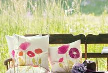 Summer decor / Ways to decorate outside for summer.