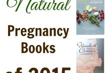 Pregnancy Journal / Remembering the details of a pregnancy is actually really difficult if you don't write it down in a pregnancy journal. Here are some of the best pregnancy journals for the mama to be. There's even a pregnancy diary in here too.