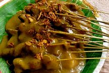 MUST EAT FOOD ! Satay Padang / Sate Padang Indonesia / This is a local food from Indonesia. It is similar to normal Satay but the gravy is different. Nice Food !