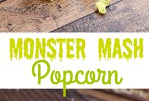 Halloween Food Ideas for Parties / Awesome Halloween recipes for party food including snacks, dinners, candy corn, caramel apples and more!