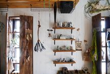 Wall storage / 壁面収納 / LIMIAに投稿された壁面収納のDIYアイディアなど✨ Ideas for wall storage posted on LIMIA. https://limia.jp/keywords/1063/ 壁面 収納 キッチン 棚 壁 パソコン ラック DIY 壁掛け フック 壁掛け 本棚 リビング 収納 鏡 ソファ テレビ 突っ張り 隙間 wall storage units shelves boxes shoe storage cube bins containers bathroom cabinets toy garage baskets drawers solutions