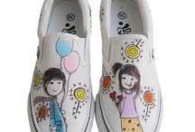 Zapatillas pintadas / by mariola atenza
