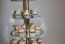 Cupcakes Bröllop / Cupckaces är en perfekt lite god bakelse som är trevlig och ha på ett bröllop ! En bakelse till varje gäst !