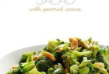 Salater / Broccoli salat med peanuts sauce
