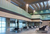 Aeropuerto de Pamplona / El aeropuerto de Pamplona está situado a seis kilómetros de la capital navarra. El tráfico aéreo es marcadamente regular y nacional y, por lo tanto, poco estacional, por lo que se mantiene a lo largo de toda la temporada en cifras similares. http://ow.ly/GwWu3