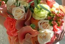 Coral wedding flowers Inspiration