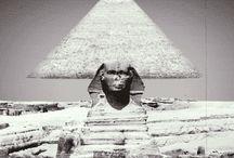 pirámide en movimientos