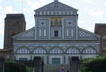 Флоренция. Базилика Сан-Миниато-аль-Монте. / Сан Миниато аль Монте («святой Миний что на горе»; итал. Basilica di San Miniato al Monte) — базилика во Флоренции, в центральной Италии. Является одним из лучших образцов романской архитектуры в Тоскане.