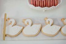 Swan Biscuit