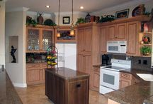 Traditional Kitchen remodel / Two tone traditional kitchen style