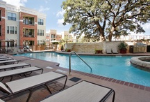 AMLI Eastside / AMLI Eastside's Downtown Austin apartments offer a great location near shopping, dining, and entertainment options in addition to recreational opportunities such as nearby golf courses and Zilker Park.